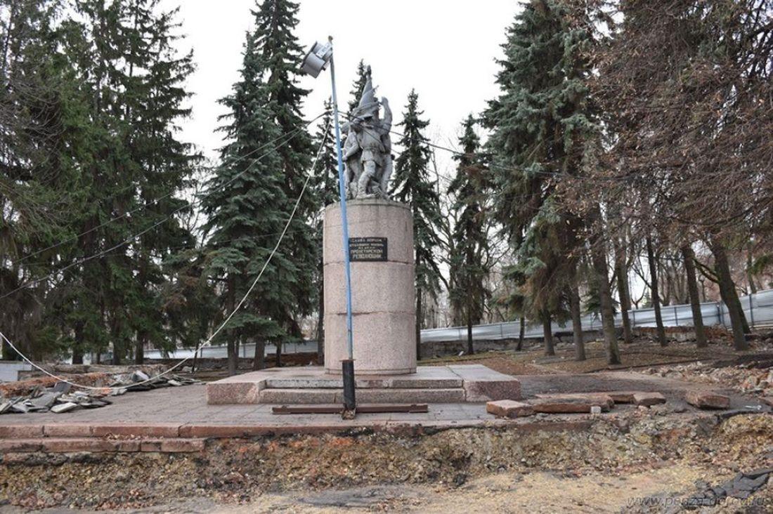 В Пензе приведут в порядок территорию около памятника борцам революции