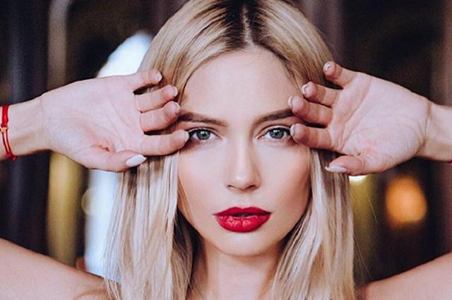 Наталья Рудова предстала перед поклонниками в образе роковой красотки