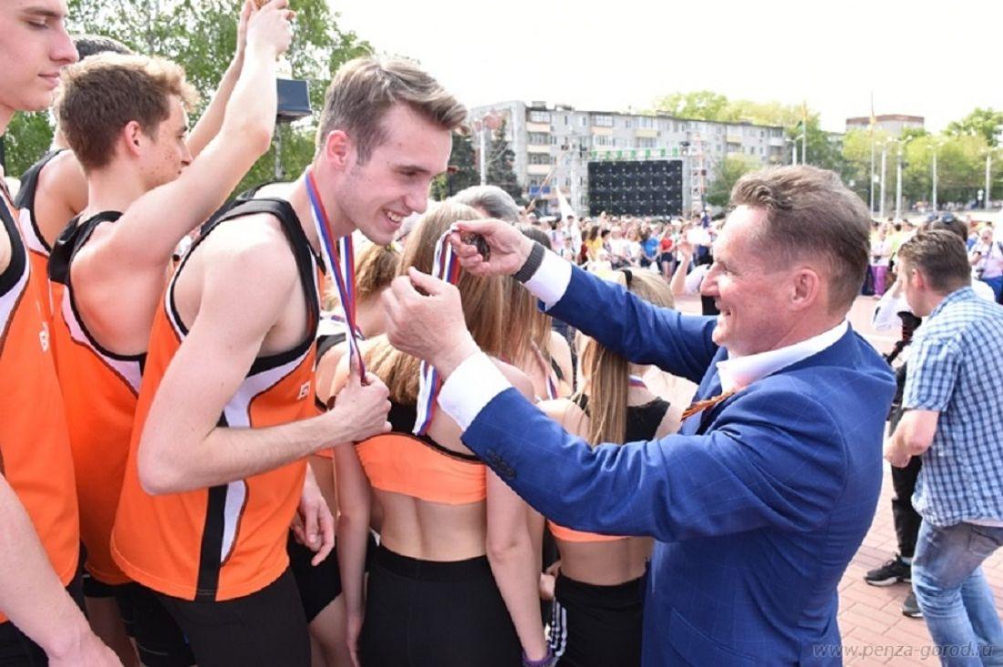 В Пензе в легкоатлетической эстафете приняли участие около 2000 человек